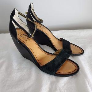 d9f102eaadd Women s Seychelles Ankle Strap Sandals on Poshmark